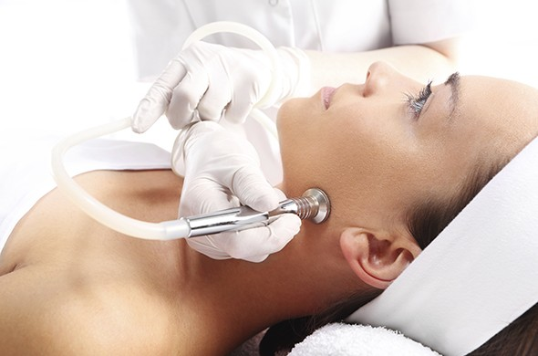 Chemical Peels, Microdermabrasion, Dermabrasion - What's The Difference?