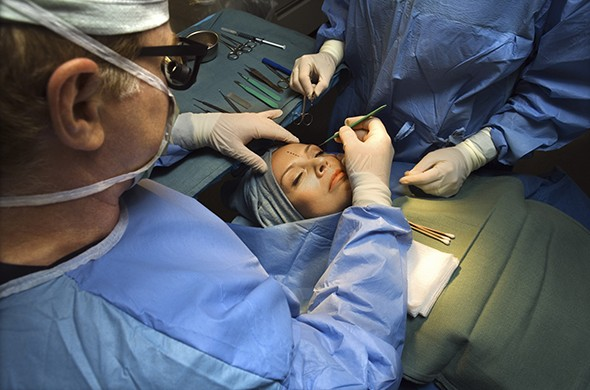 Plastic surgeon vs. cosmetic surgeon: What's the difference?